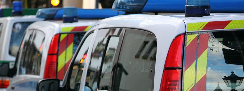 Einbrecher rasen mit Auto in Großmarkt