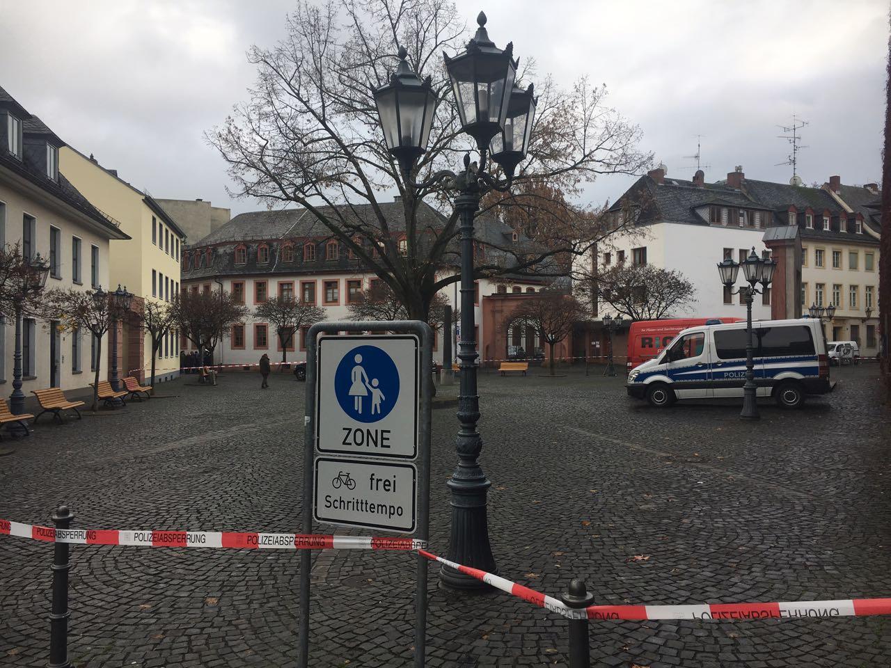 Mainz - Keine Gefahr für Bevölkerung, Polizei beendet Einsatz in der Heiliggrabgasse