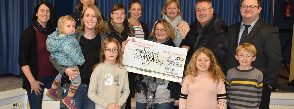 St. Martinsfest bringt 1.710 EUR für SchMIKAling und den Förderverein der Bolandschule