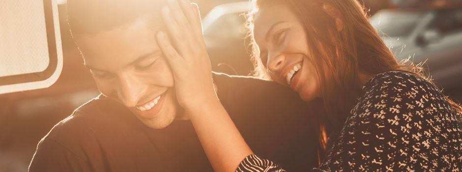 Tinder, Lovoo und Bumble: Liebe auf den ersten Swipe?