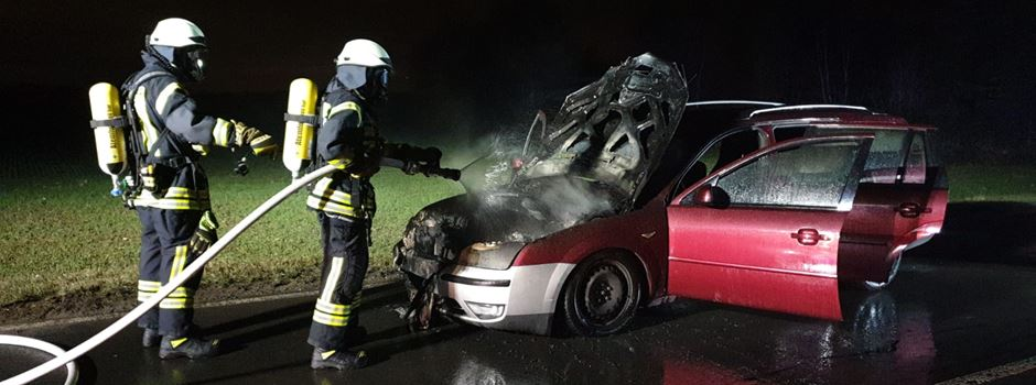 Auto in Flammen in Rheidt