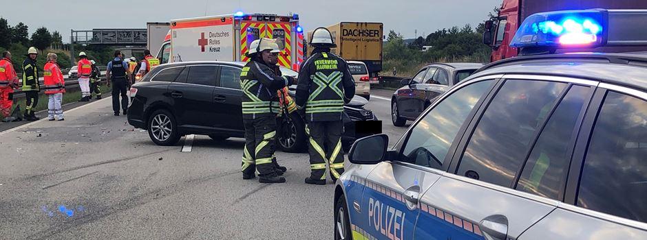 Zwei Personen bei Unfall am Wiesbadener Kreuz verletzt