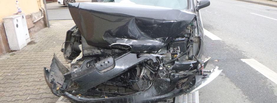 Schwerer Unfall auf B9