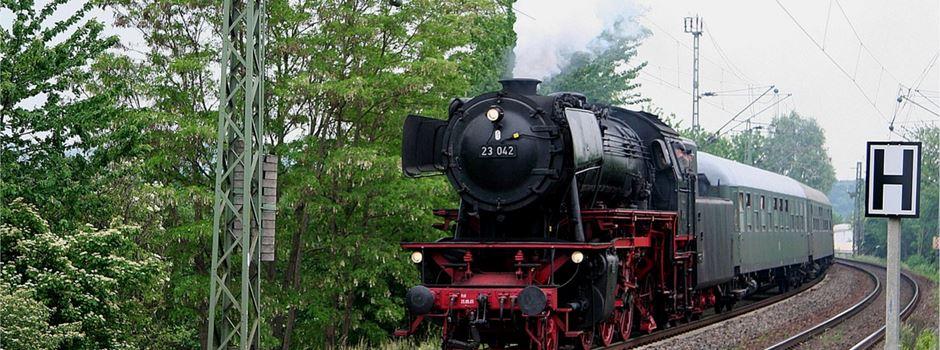 Historische Dampflok fährt wieder ab Wiesbaden