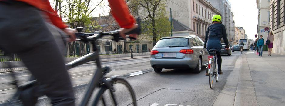 Fahrradfahrer sollen runter von der Straße, denn sie zahlen keine Steuern