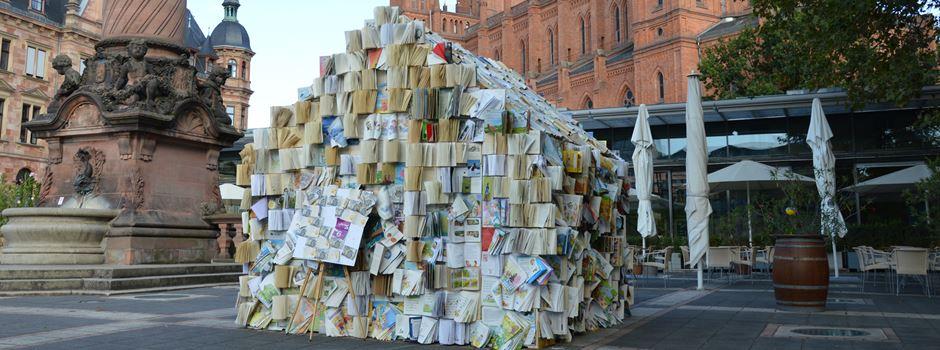 """Das """"Bücherhaus"""" auf dem Dern'schen Gelände hat einen ernsten Hintergrund"""