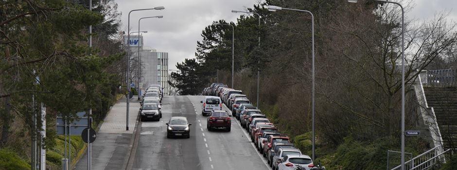 77 Parkplätze sollen Busspur und Radweg in der Abraham-Lincoln-Straße weichen