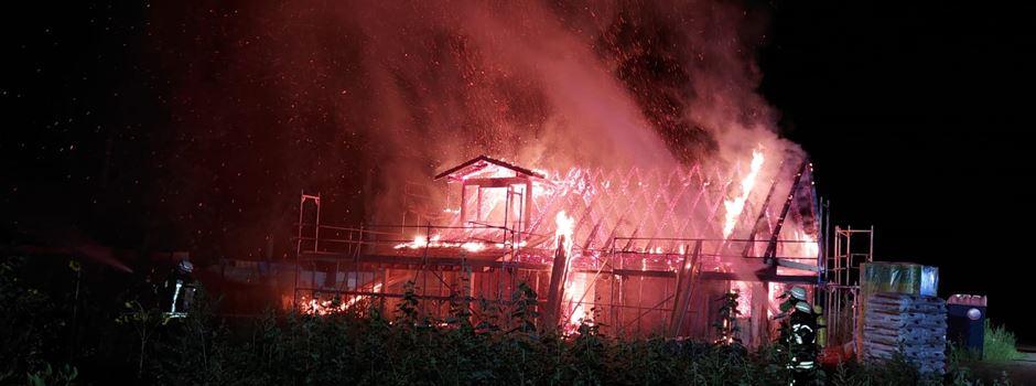 Feuer zerstört Rohbau