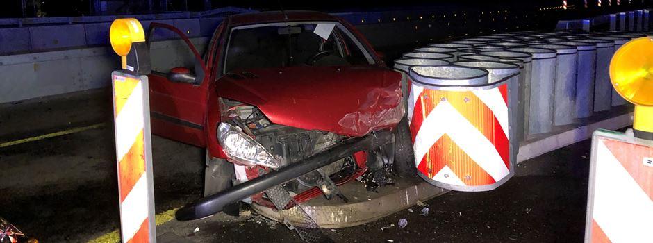 Autofahrerin bei Unfall auf A 643 schwer verletzt
