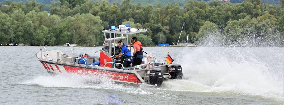 Angler springt in den Rhein und löst Rettungseinsatz aus