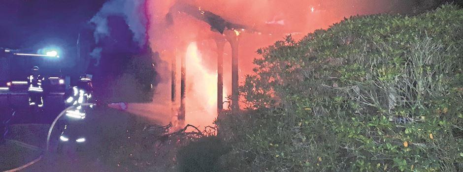 Einfamilienhaus brennt