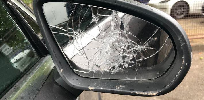 Sachbeschädigungen an Fahrzeugen in Bodenheim