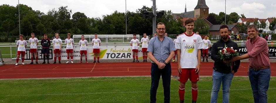 Fahrschule Tozar unterstütz die A-Jugend des Herzebrocker SV