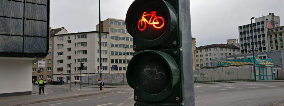 Mit diesen Lücken müssen die Radfahrer in Frankfurt leben