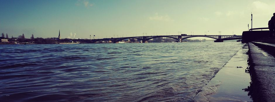 Warum das Schwimmen im Rhein nicht möglich ist