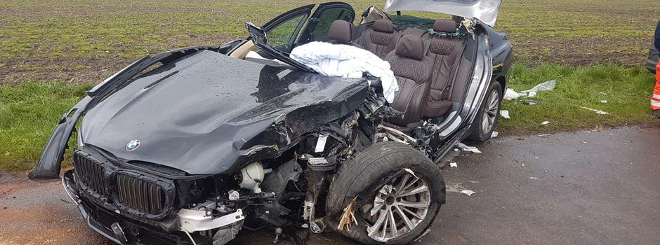 Schwerer Unfall bei Wolterdingen: Drei Insassen aus Fahrzeugwrack befreit