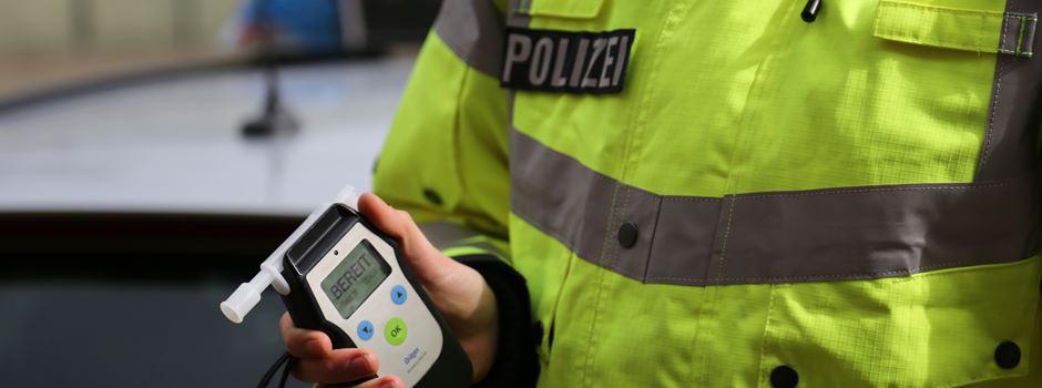 Polizeibeamte nehmen zwei stark alkoholisierte Einbrecher fest