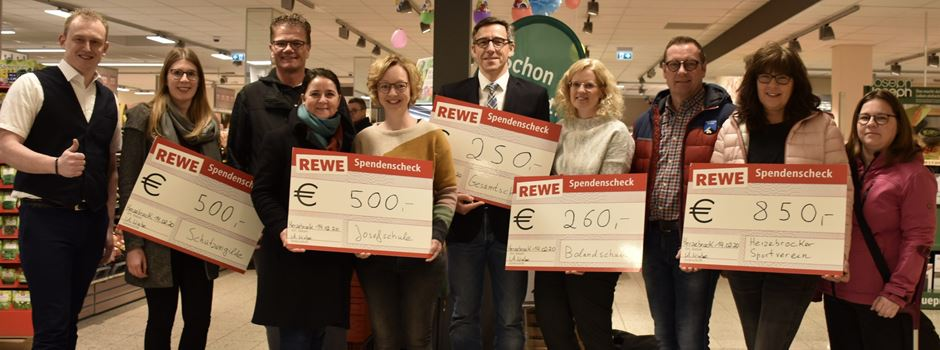 Anzeige: REWE Vereins-Aktion - Spenden an Vereine übergeben