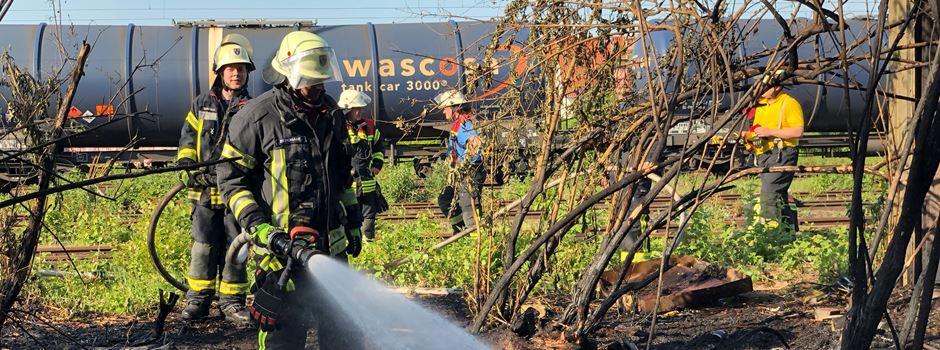 Großbrand in Kastel beschäftigt Feuerwehr am Freitagabend