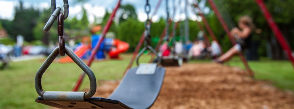 Mit schusssicherer Weste auf Spielplatz: Ist das verhältnismäßig?
