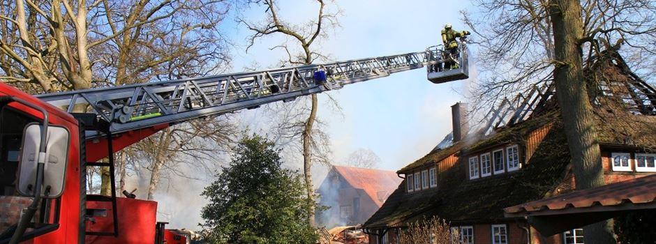 Großbrand in Lünzenbrockhof: Polizei ermittelt wegen Brandstiftung
