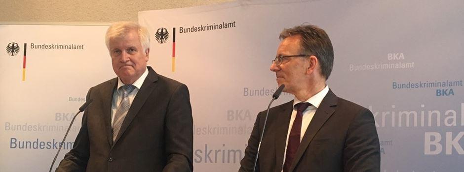 """Nach """"kaltblütigem Mord"""" in Frankfurt: Seehofer kündigt Konsequenzen an"""