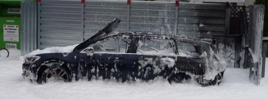 Brand an Tankstelle: Autofahrerin will Tank mit Staubsauger auspumpen