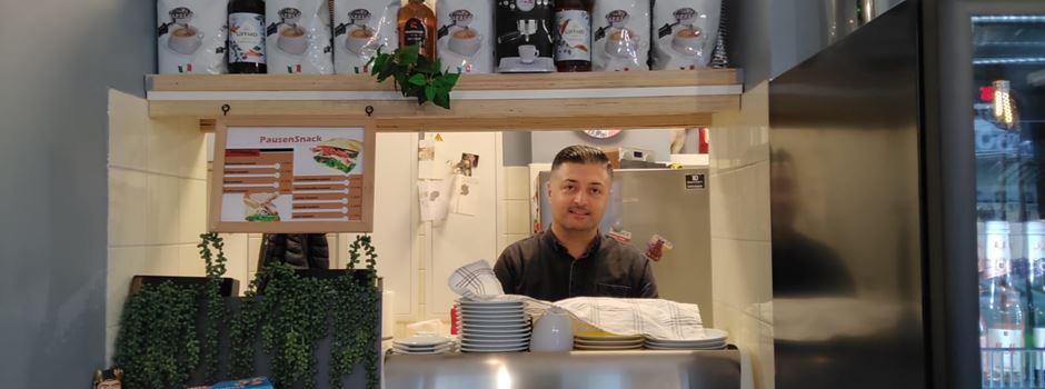 Neues Café in der Innenstadt serviert Kuchen und Hot Dogs