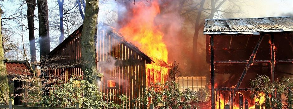 Großbrand: Rund 200 Feuerwehrleute kämpfen in Lünzen gegen die Flammen