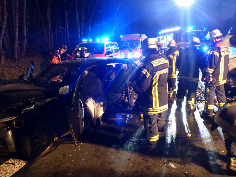 Rettungsgasse verstopft: Feuerwehr zeigt 30 Autofahrer an