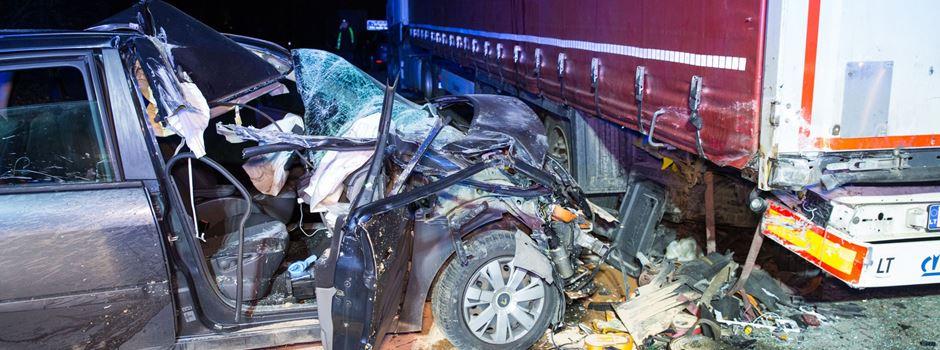 Zwei Personen bei Unfall auf A671 verletzt