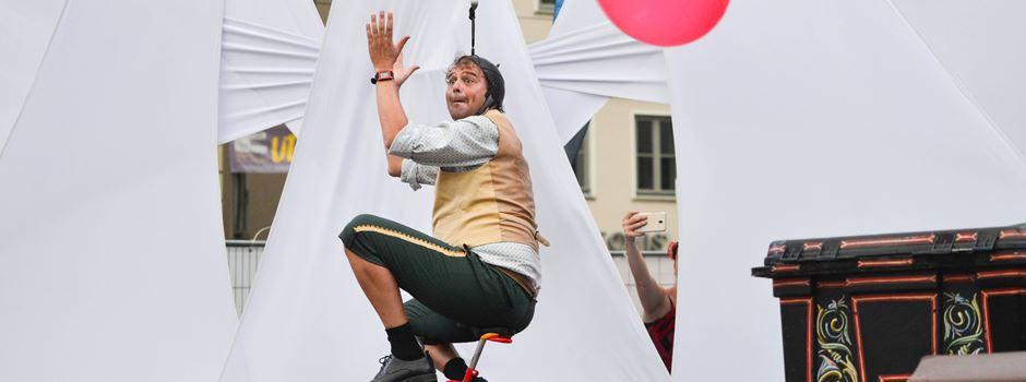 La Strada 2021 – zwei Bühnen, 13 StraßenkünstlerInnen und 8 Bands