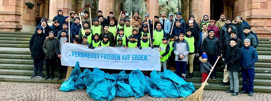 Muslimische Gemeinde räumt an Neujahr die Straßen auf