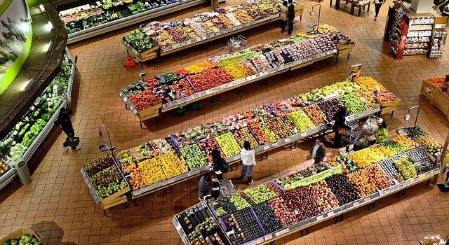 Augsburger Team berechnet die wahren Kosten von Lebensmitteln