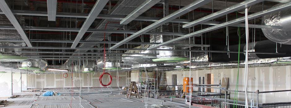 Wie steht es um die Bauarbeiten an der Rheingoldhalle?