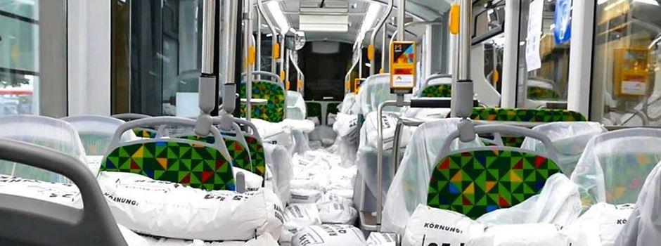 Warum dieser Bus Sandsäcke statt Fahrgäste durch Mainz fährt