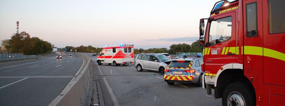 Fahrer behindert Feuerwehr in Rettungsgasse