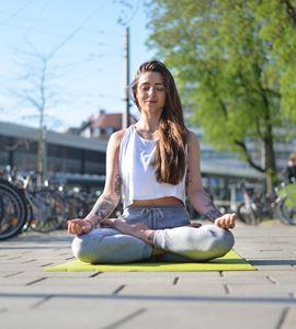 Yoga Im Ko Park In Augsburg Kostenlos Entspannen