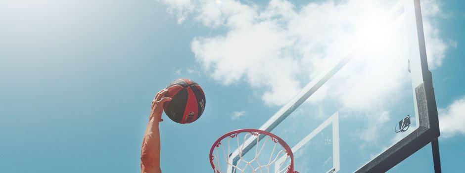 Basketballkörbe und Tischtennisplatten in Augsburg
