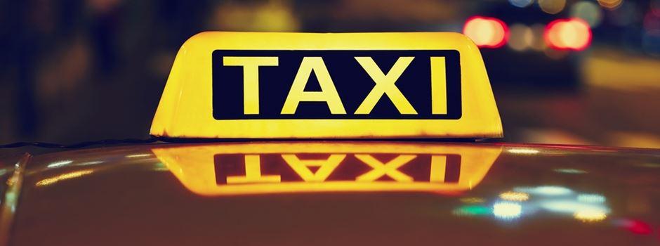 Unbekannter sticht auf Taxifahrer ein