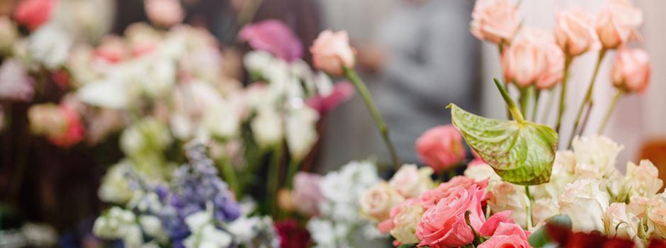Wegen Corona-Regeln: Kunde rastet in Blumengeschäft aus