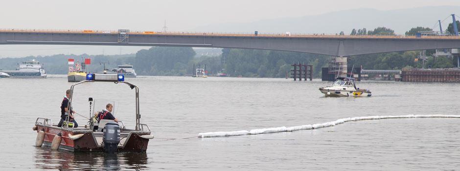 Großeinsatz der Feuerwehr am Rhein