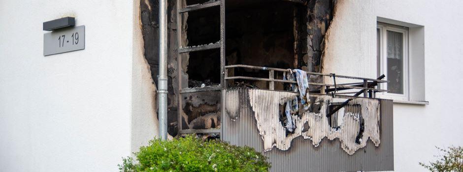 Drei Wohnungen nach Feuer in Mehrfamilienhaus unbewohnbar