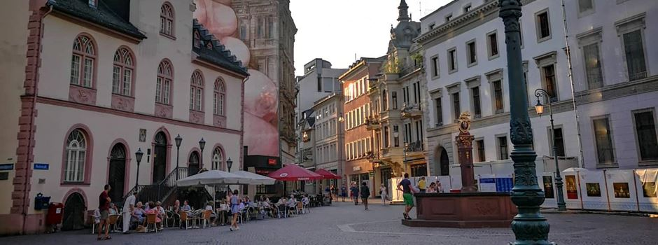 Kaltes LED-Licht auf Wiesbadener Straßen