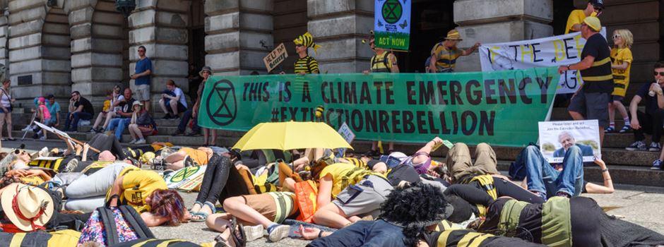 Umweltschützer wollen Autofahrer auf Luftverschmutzung aufmerksam machen
