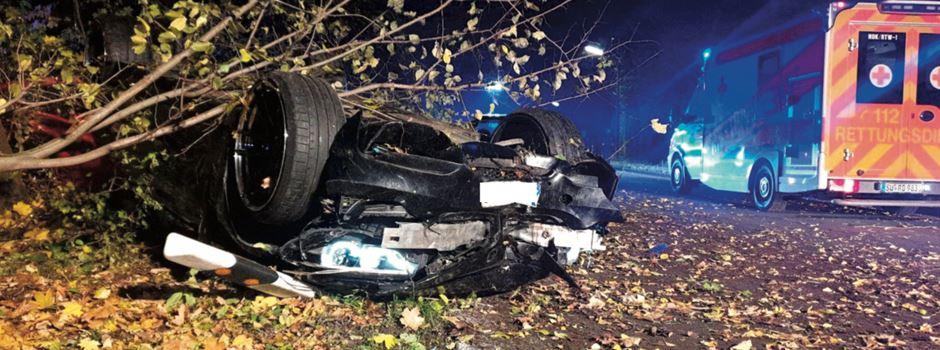 Update: Totalschaden bei Verkehrsunfall in Niederkassel