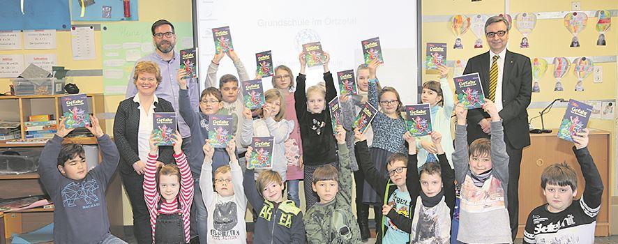 Rotary-Club spendet Bücher