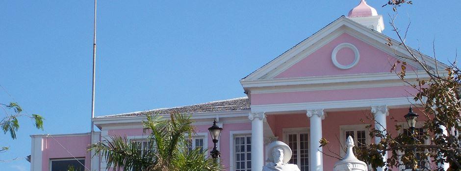Was die Hauptstadt der Bahamas mit Wiesbaden zu tun hat