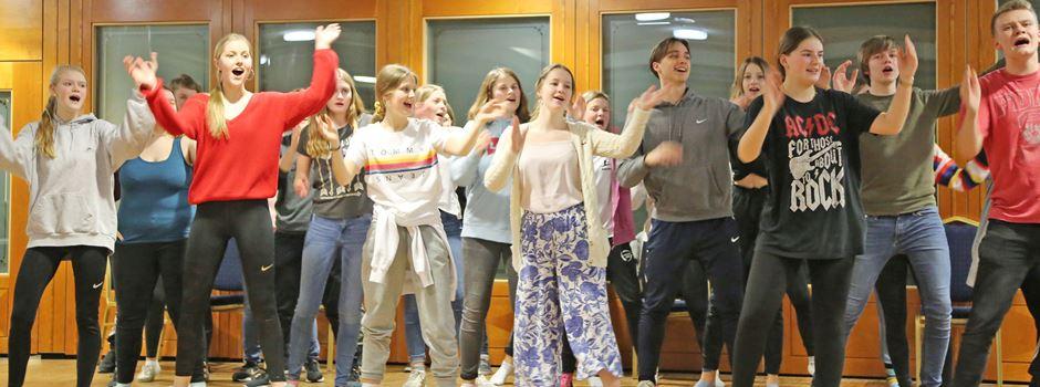 """KGS-Schüler """"Feuer und Flamme"""" für """"Mamma Mia! - Die Party geht weiter"""""""