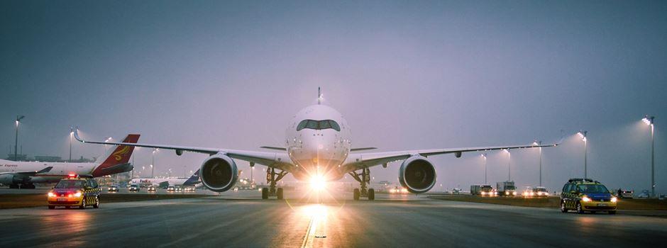 Flugzeuge stoßen am Frankfurter Flughafen zusammen